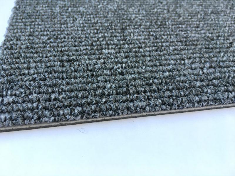 防ダニ機能付きタイルカーペット